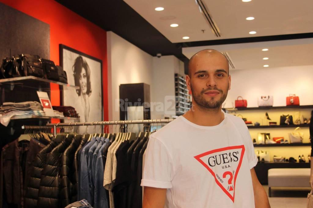 Riviera24 - #shoppingexperience, collezione Guess uomo, Molo 8.44