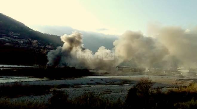 Incendio al campo migranti di Ventimiglia, moduli abitativi danneggiati e inutilizzabili