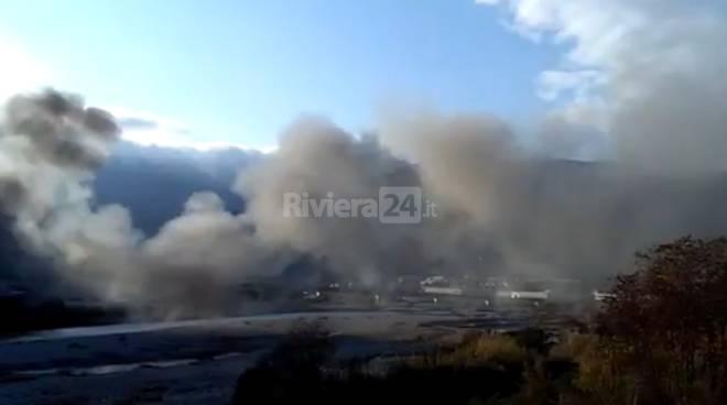 riviera24 - Ventimiglia, incendio al Campo Roya