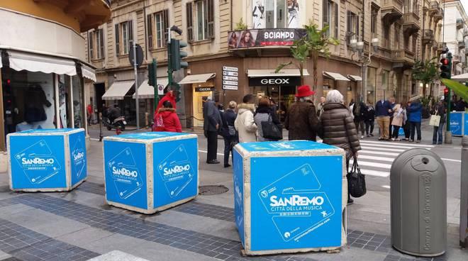 Sanremo new jersey e blocchi cemento antiterrorismo