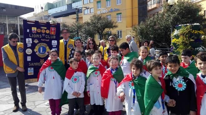 Gli scolari e il Lions Club Sanremo Host festeggiano l'Unità d'Italia