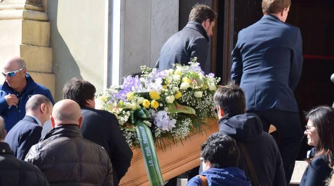 riviera24 - Sanremo dà l'ultimo saluto al grande jazzista Dodo Goya