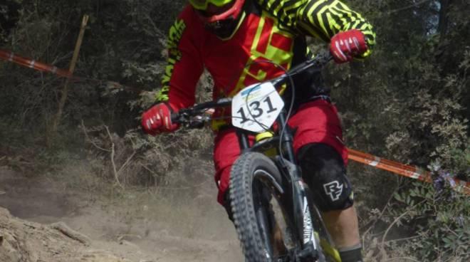 riviera24 -  Team Supernatural Nukeproof di Dolceacqua
