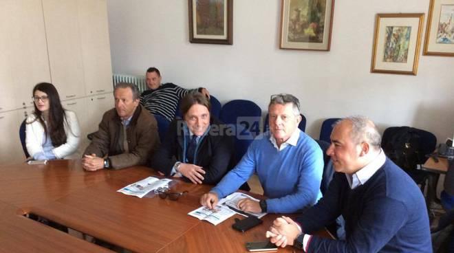 conferenza stampa forza italia migranti