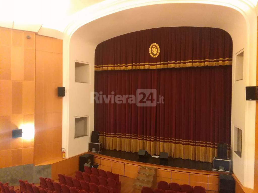 riviera24 -Innuendo Queen Tribute Band