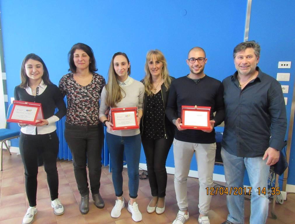 riviera24 - L'Associazione 50&PIU' Imperia e studenti di Arma di Taggia