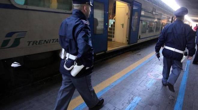 riviera24 - polfer polizia ferroviaria treno