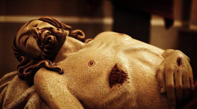 riviera24 - Processione del Cristo Morto a Oliveto di Oneglia