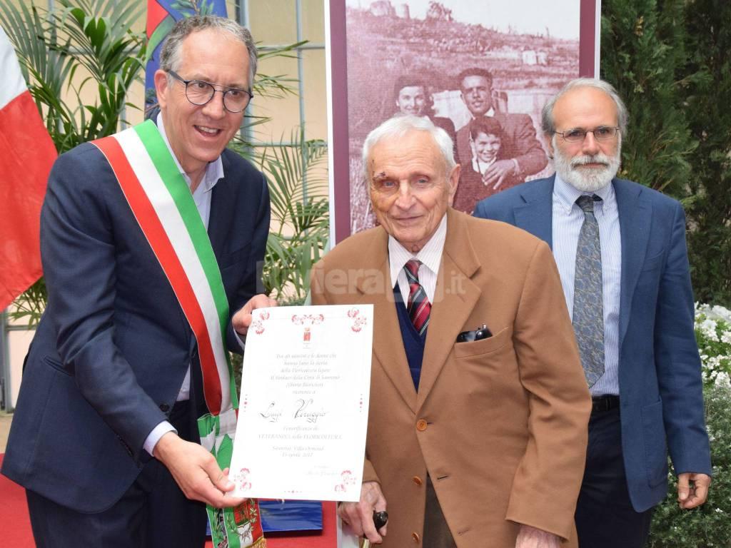 riviera24 - Sanremo, premiati i veterani della floricoltura. Al top Ida Brizio