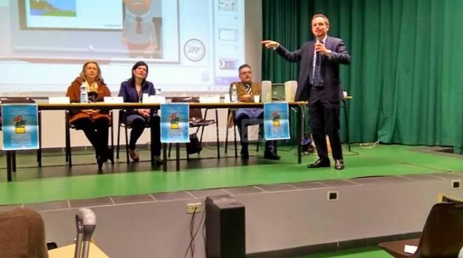Riviera24 -seminario cyberbullismo Scuole Biancheri Ventimiglia