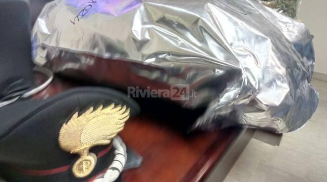 riviera24 - sequestro hashish marijuana carabinieri imperia aprile 2017