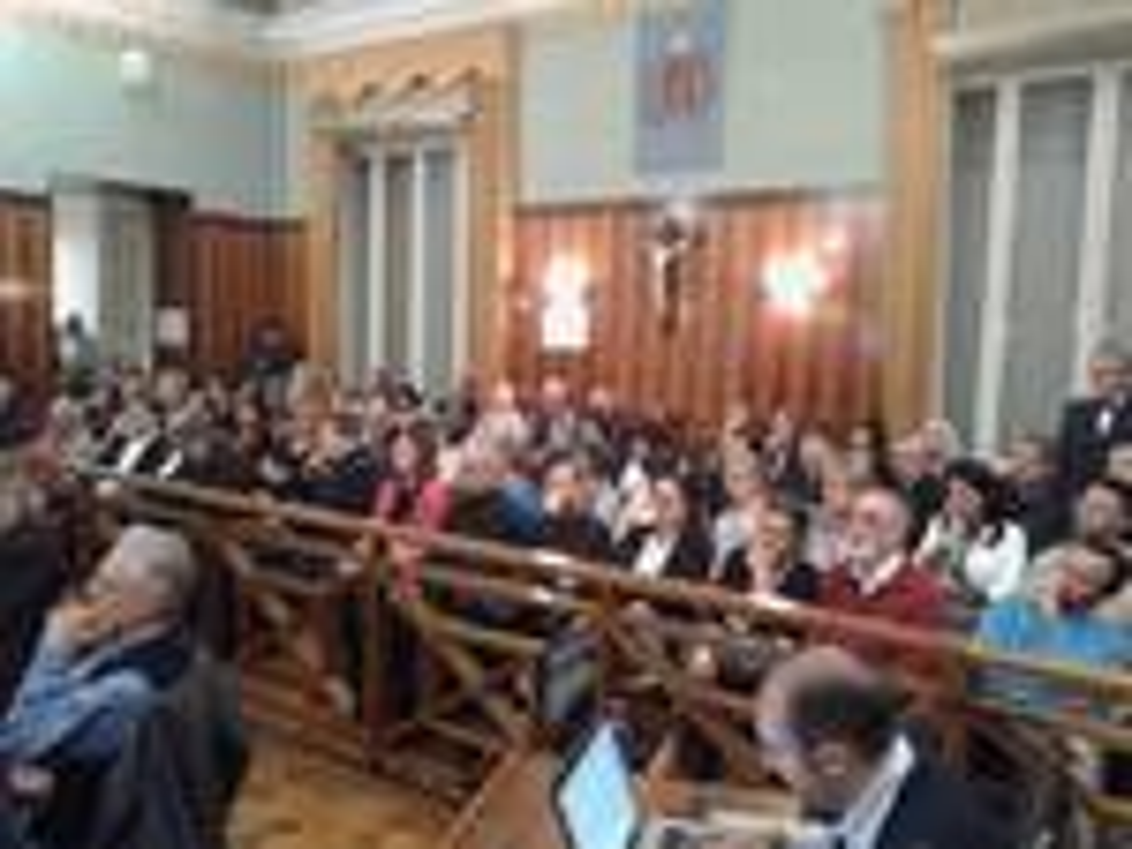 Sanremo consiglio comunale su orchestra sinfonica