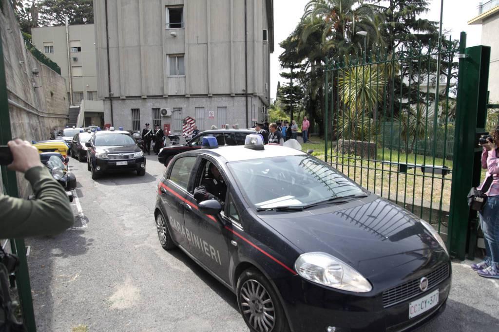 """Operazione """"Porta a porta"""" dei carabinieri. I primi arresti all'alba"""