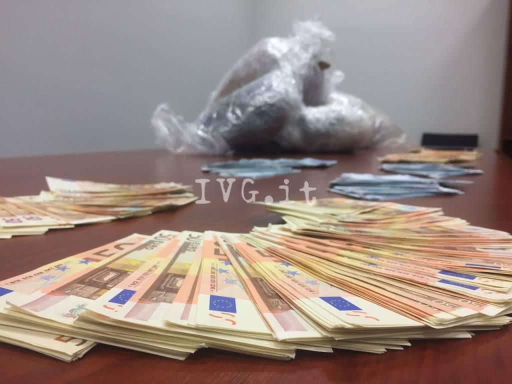 riviera24 - Albenga, sequestrati dai carabinieri 12 kg di marijuana: