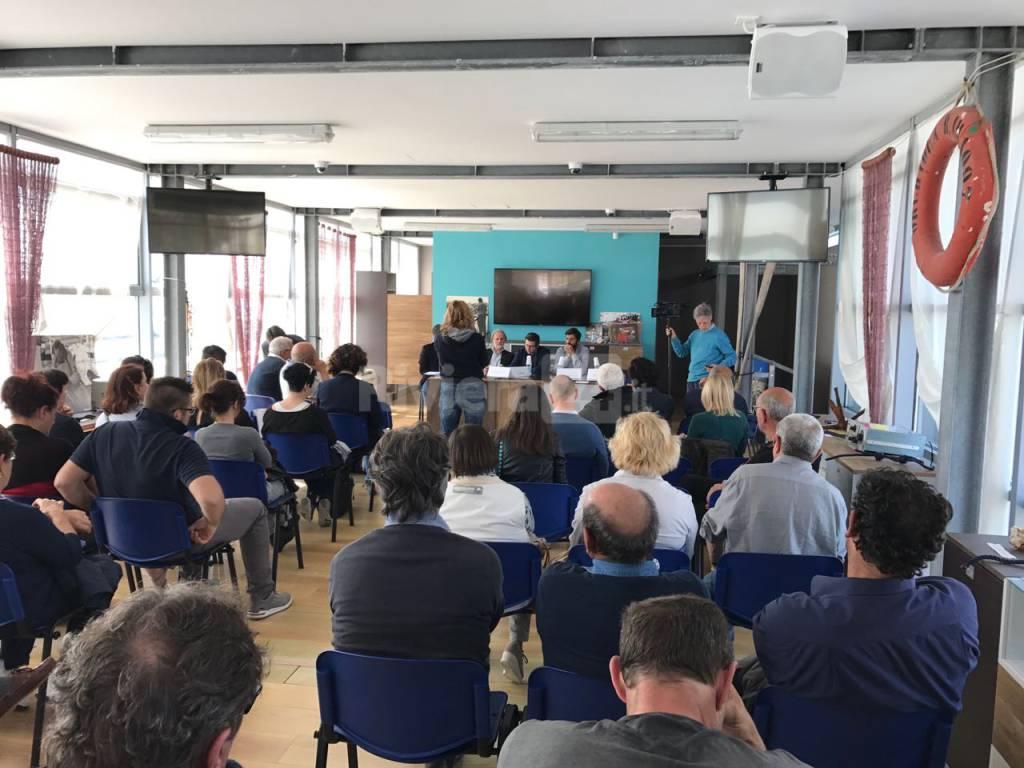 """riviera24 - Il Comitato SalvaTaggiasca presenta il Dop """"Oliva Liguria del Ponente"""""""