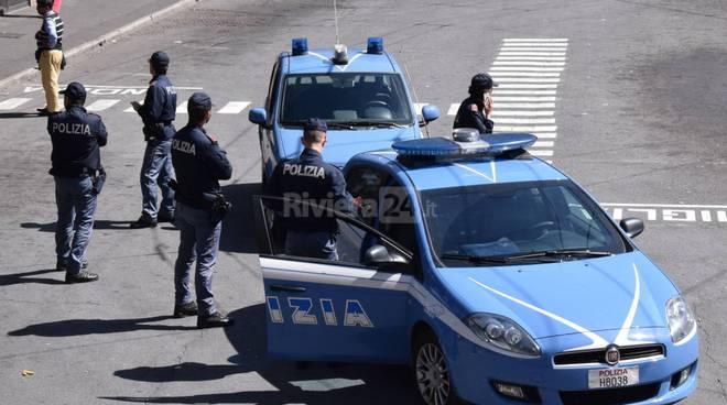 riviera24 - polizia sanremo piazzale rt piazza colombo stazione bus