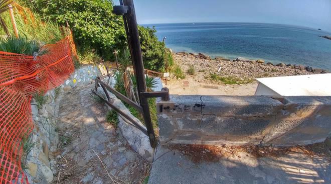 Riviera24-riaperta la strada per la spiaggia ex tiro a volo