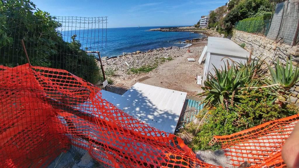 Riviera24-spiaggia ex tiro a volo chiusa
