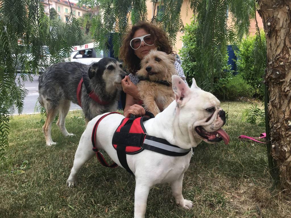 Piera Poillucci con i suoi cani