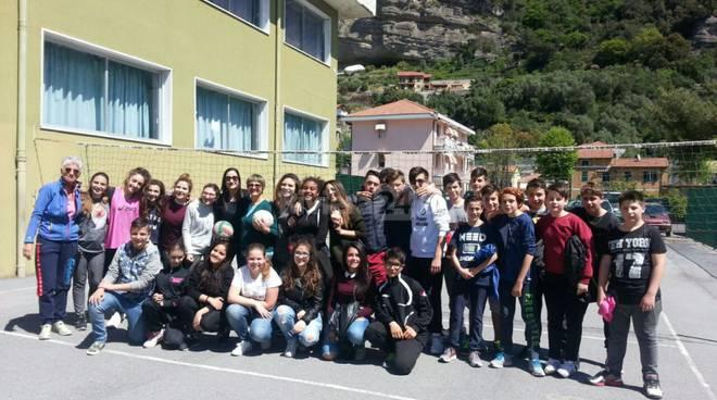 riviera24 - Festa per la prof Annamaria Giovannelli
