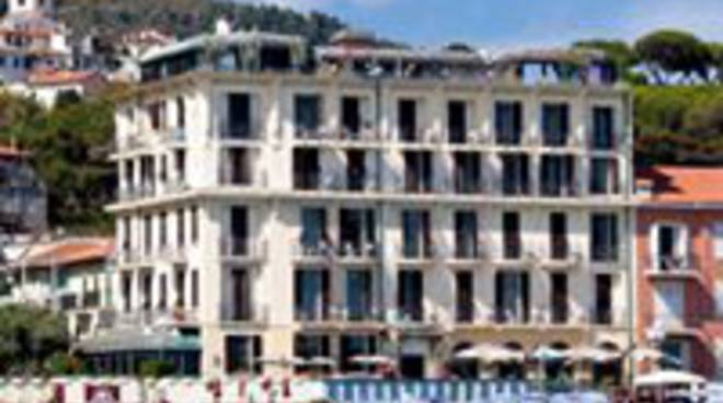 riviera24 - Hotel Parigi di Bordighera