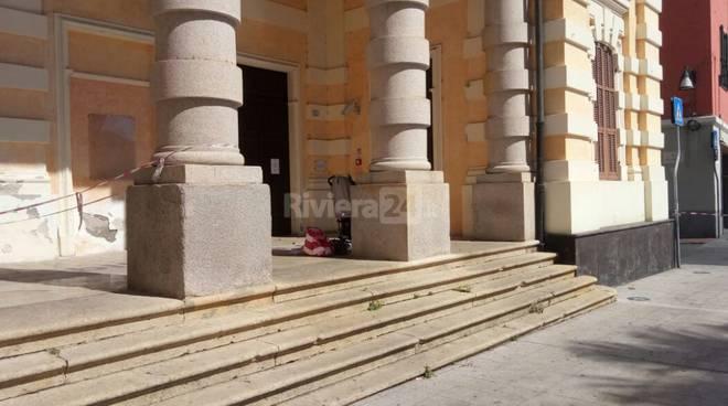 riviera24 - Imperia, allarme bomba alla biblioteca De Amicis