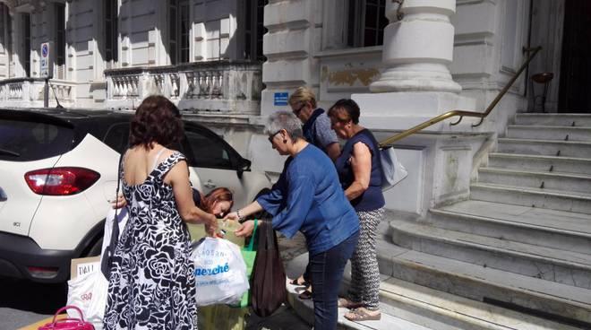 riviera24 - protesta spazzatura blengino palazzo bellevue