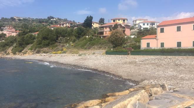 riviera24 - Pulizia spiagge a Imperia