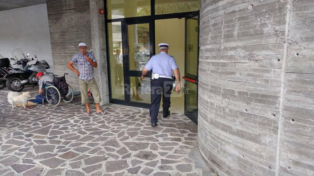 Sanremo, clochard allontanati da stazione