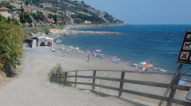 spiaggia cipressa