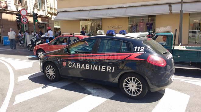 riviera24 - carabinieri: denunciata e cacciata da Sanremo coppia italo-slava