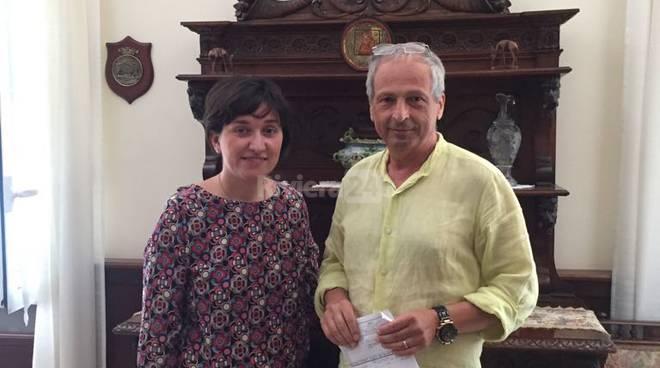 Riviera24 - Claudio Muià e Silvia Madaro  donazione Istituto Padre Semeria Coldirodi
