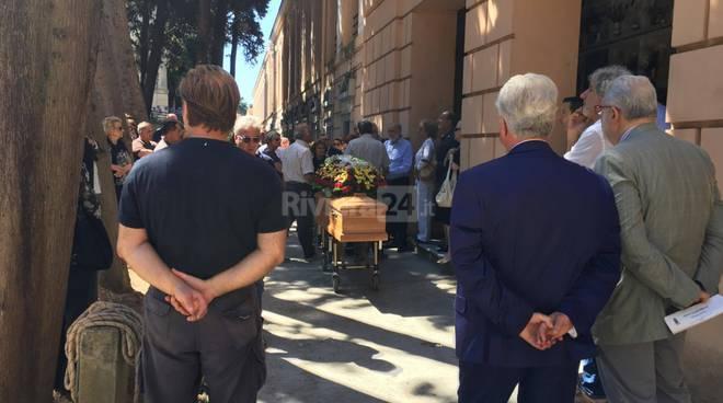 riviera24 - Funerale di Roberto Coggiola