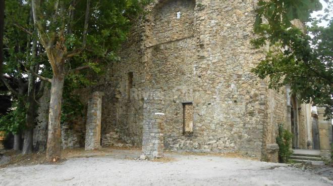 Riviera24 - ordinanza pulizia Chiesa Vecchia Bajardo