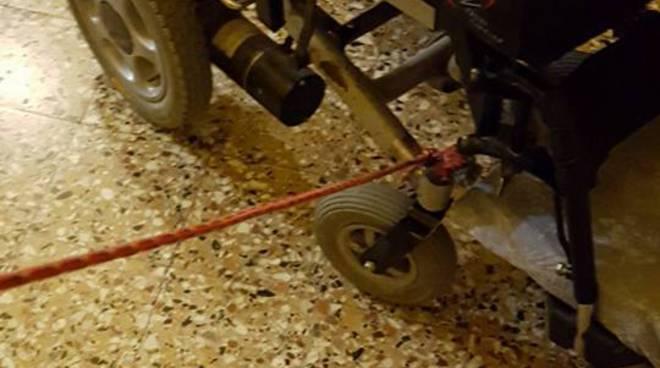 riviera24 - Sedia a rotelle di Francesco