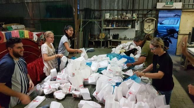 riviera24 - Sestiere Burgu e Bombardei preparano coriandoli di Pasta Fresca Morena