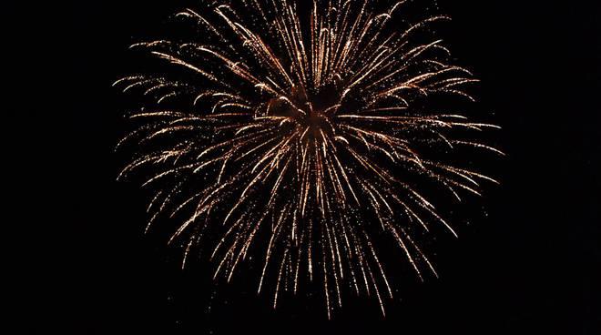 fuochi d 39 artificio e cene in borgo la marina di imperia