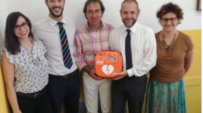 riviera24- Cipressa riceve un defibrillatore