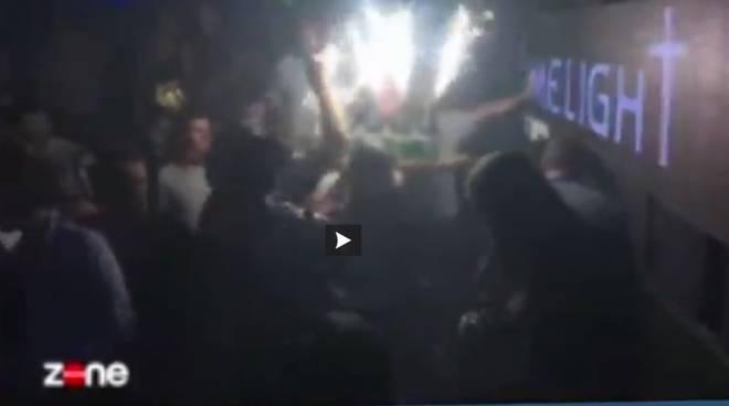 riviera24 - Gruppo di sauditi spende 40.000 euro di champagne in discoteca a Cannes