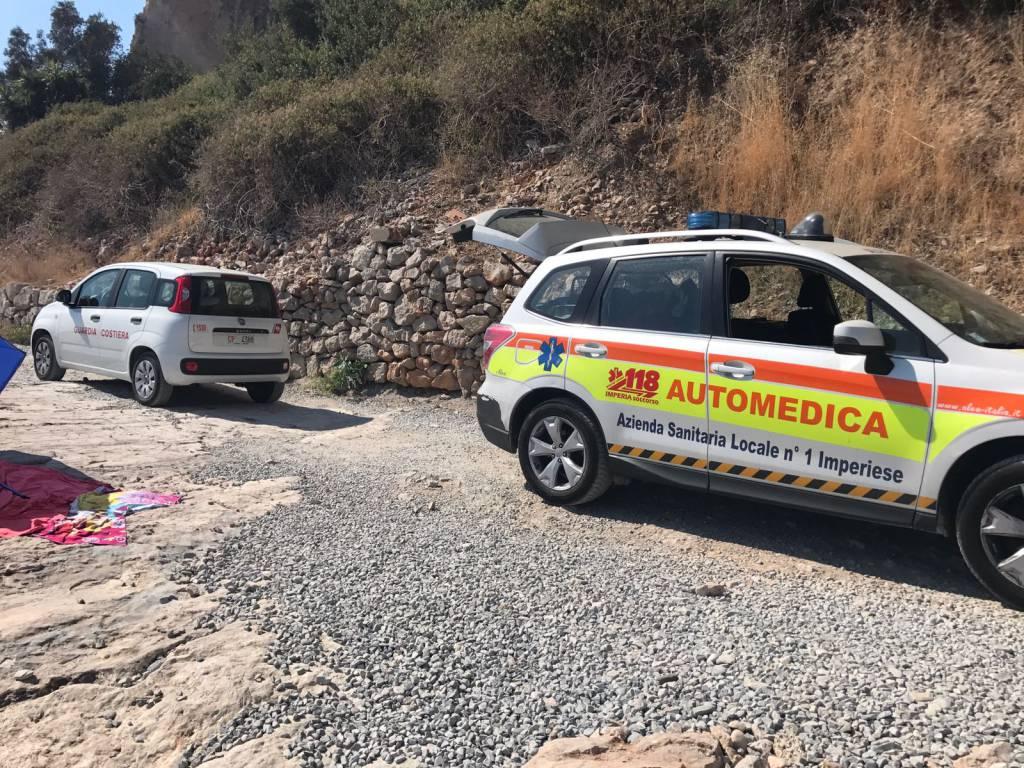 riviera24 - soccorsi 118 guardia costiera vigili del fuoco acquascooter balzi rossi