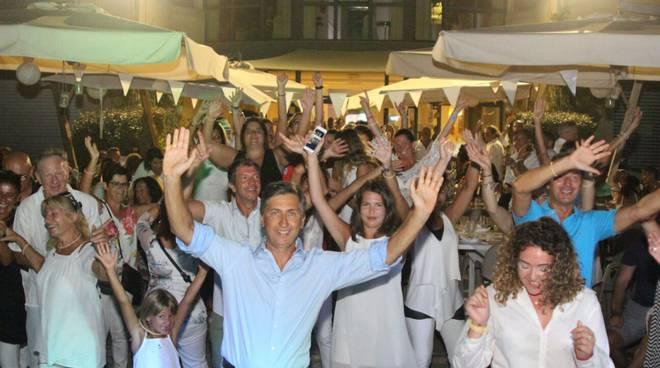 """""""White party - Tramonto al Riviera"""" alla Marina di San Lorenzo"""