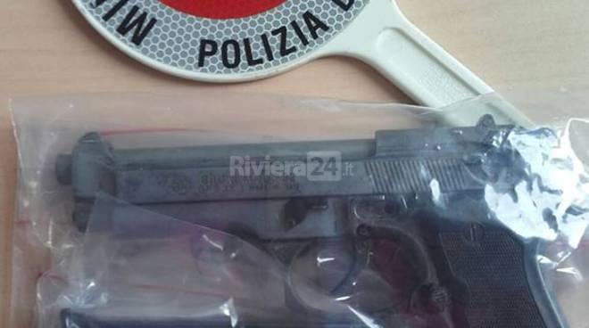 riviera24 - pistola sequestrata riccardo bacci