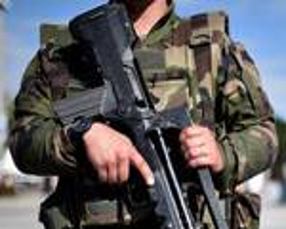 riviera24 - Soldato francese