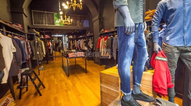 Riviera24-Tinta tienda nuova collezione