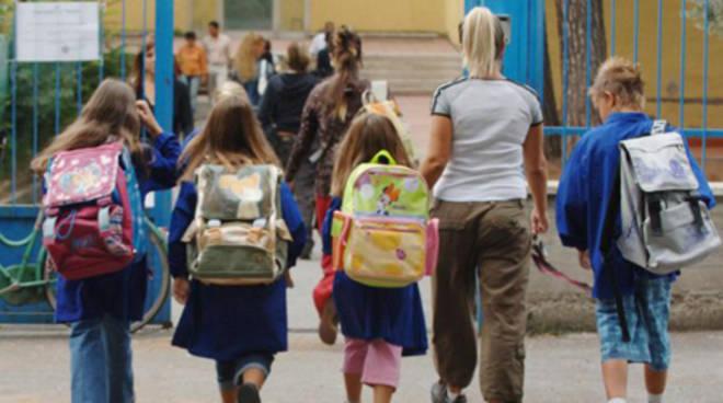 Istruzione, gli studenti iscritti alle scuole statali sono oltre 7,7 milioni