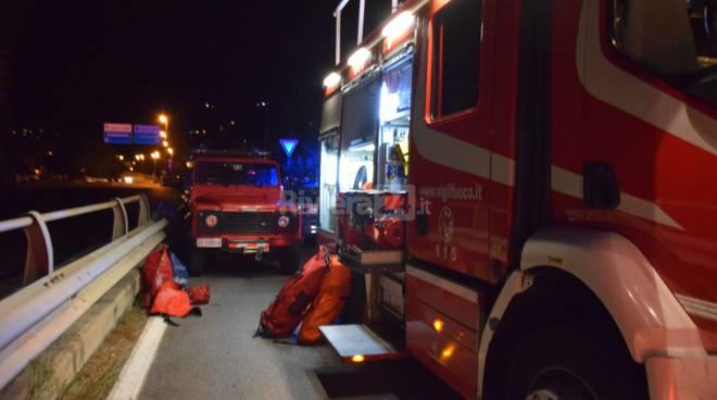 Ventimiglia, ruba bici e precipita nel fiume: grave migrante