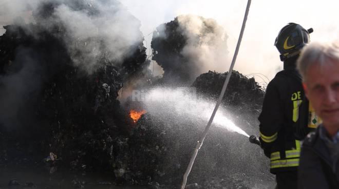 Riviera24-del gratta incendio valle armea