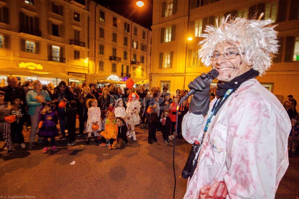 """Riviera24-""""Dolcetto o scherzetto?"""", una Sanremo piena di bambini per la festa di Halloween"""
