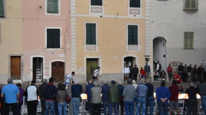 riviera24 Torneo di pallapugno a Dolceacqua