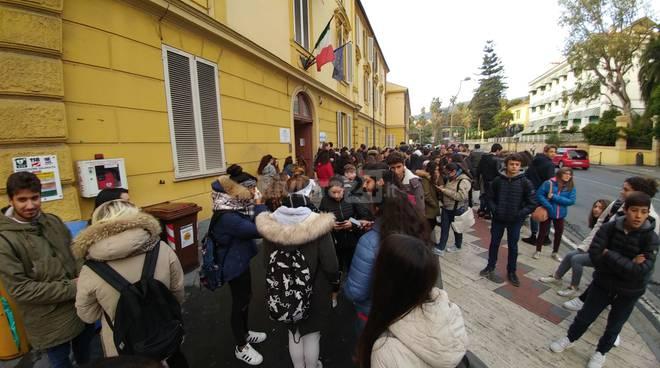 protesta studenti sanremo